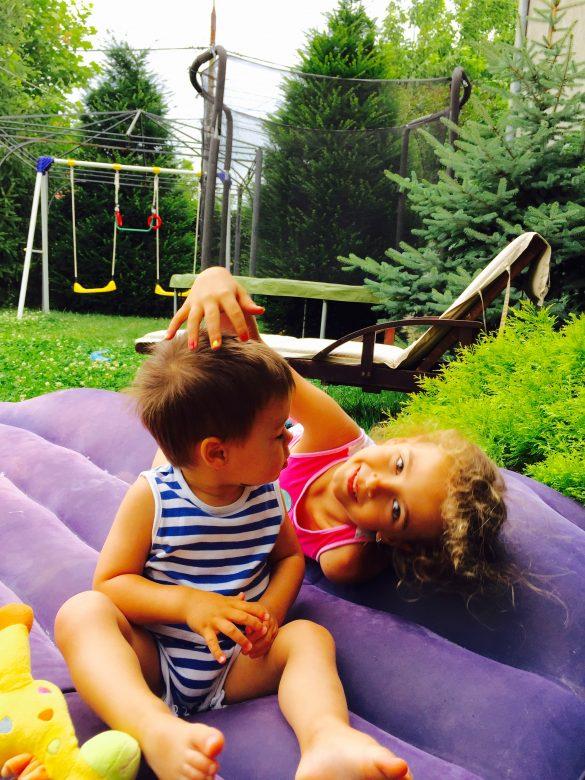 Printesa Sofia si Matei pe saltea
