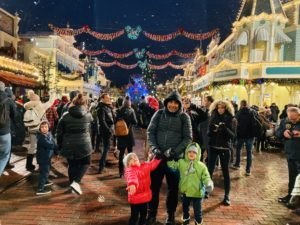 luana_danet_disneyland_paris_winter