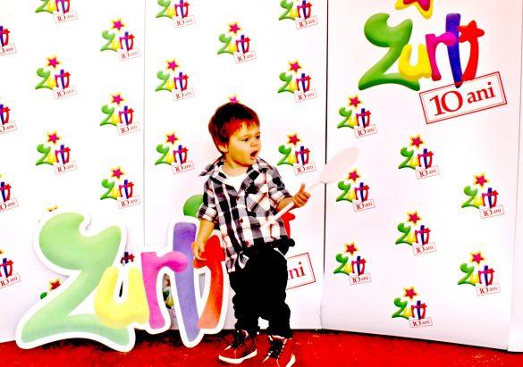 cel_mai_tanar_blogger_din_romania_zurli_petrecere